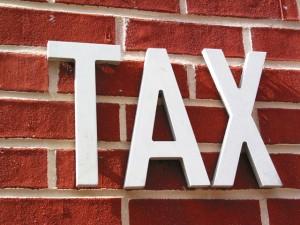 11-17-15 tax-1501475-640x480