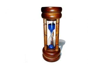 10-25-16-hourglass-1239654-640x480